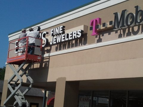 Commercial Exterior T-Mobile